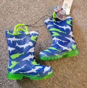 2/$15 NEW Rainboots Shark Size 5 Baby Boy